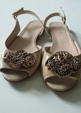 Kaufe meinen Artikel bei #Kleiderkreisel http://www.kleiderkreisel.de/damenschuhe/sandalen/134031670-sansale-aus-lack