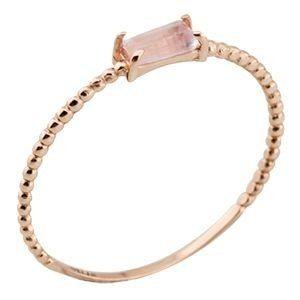 Anel Dreams com aro de bolinhas em ouro rosê 18k com quartzo rosa. Os anéis da Linha Dreams são peças colecionáveis, em prata, com diferentes tipos de gemas. Seu design moderno e despojado permite que sejam utilizados sozinhos ou em diferentes composições, adicionando charme a qualquer look. ANEL EM OURO Metal: Ouro 18k Acabamento: Polido QUARTZO Quantidade: 1 Formato / Lapidação: Baguete Cor: Rosa Peso / Tamanho: 5X2,5 mm ACOMPANHA CERTIFICADO DE GARANTIA E SUA RESPECTIVA EMBALAGEM…