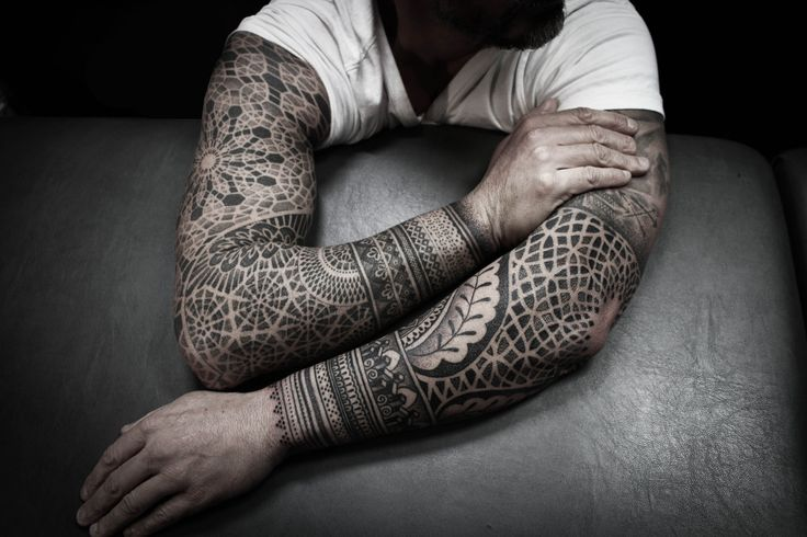 Arms by @Alexis Calvié