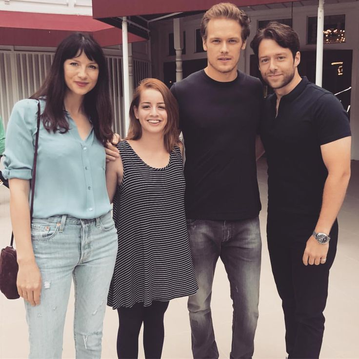 mayraaltyra The Con always delivers those very rare special moments - Can't wait for the new season of #Outlander .#caitrionabalfe , #samheughan #richardrankin