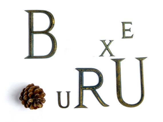 Lettres de mur métalliques vintage B R E U par LeGrenierDeFrancine