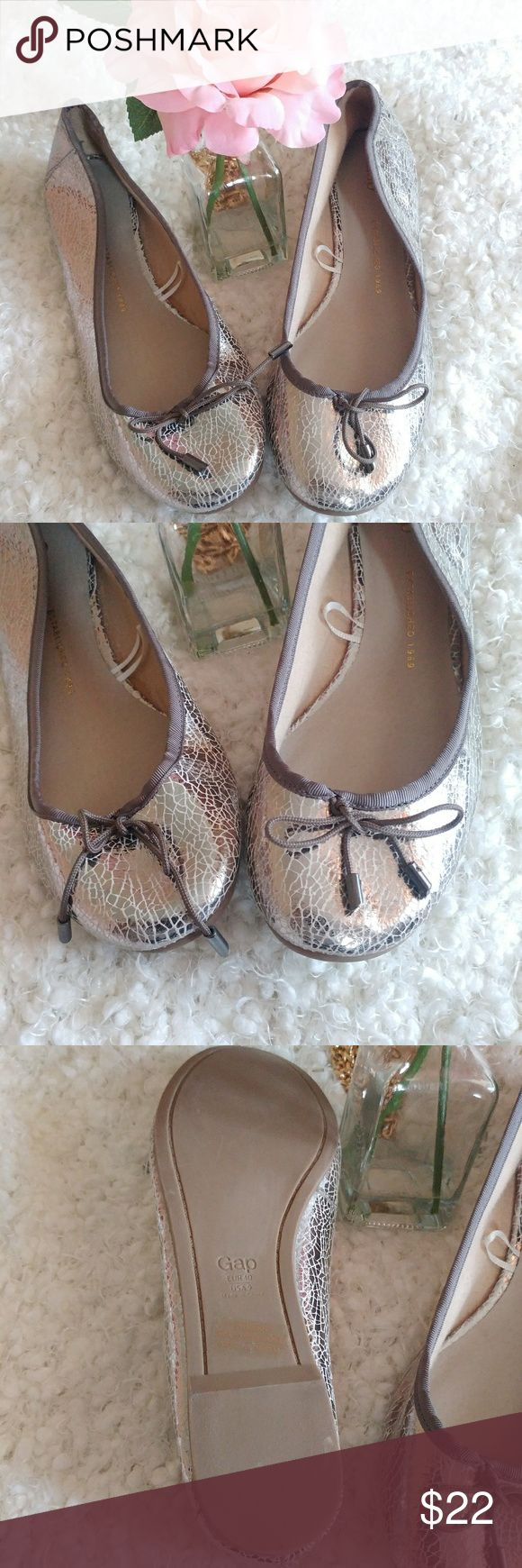 Gap Super Duper Cute Crackles Silvertone Flats Superb condition. No signs of wear. Medium width. Just a great summer shoe. Don't miss out GAP Shoes Flats & Loafers