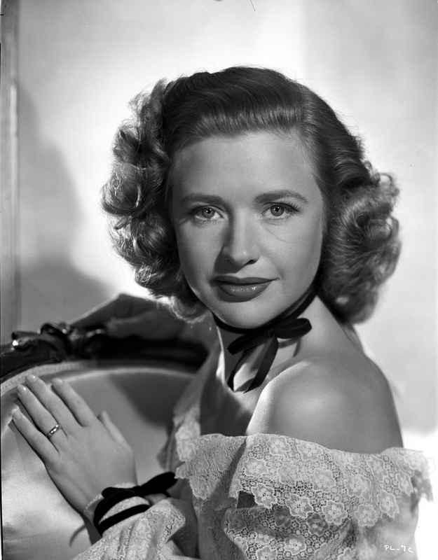 Priscilla Lane on an Off-Shoulder Lace posed High Quality Photo – Movie Star News