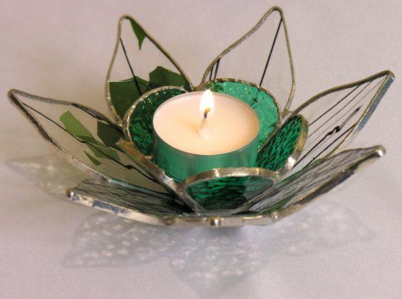 La main de confettis vert et clair vitrail thé par SoleilByDesign
