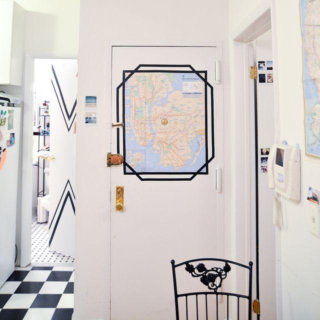 starsforstreetlights:  (via DIY Apartment: Electrical Tape Frames)  http://ift.tt/1MRiBEP