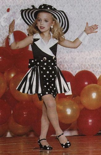 JonBenet Ramsey pageant, note bruise on right arm near elbow