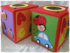 O que será... o que será que tem dentro dessas caixinhas??? Nas salas de educação infantil, a caixamágica é um excelente recurso didático p...
