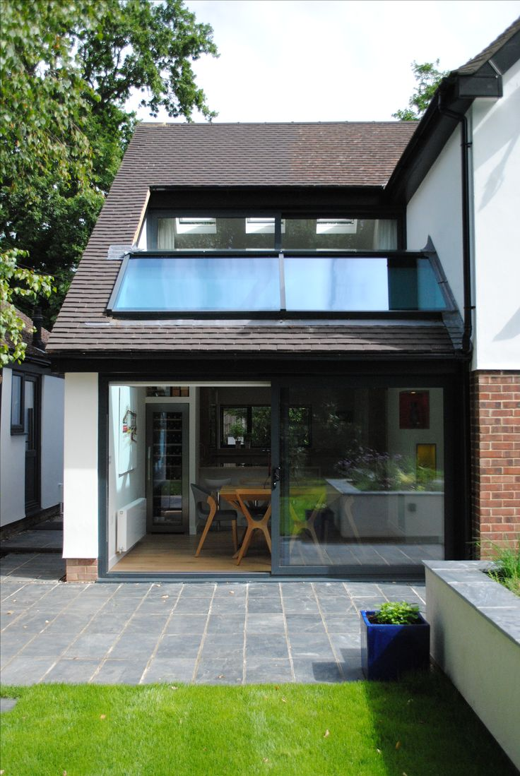 Modern Two Storey House Design With Terrace