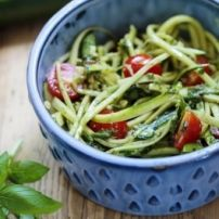Super lekker en gezond pastagerecht maar dan koolhydraatarm! Lekker van pasta genieten, ook als je op dieet bent of voor na het sporten!