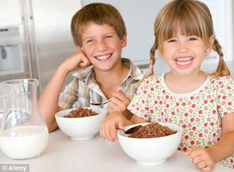 Reasons why oatmeal is good for Kids: a) It boosts kid's brainpower. b) Beta-Glucans helps to boost body immunity power. c) Daily intake reduces the risk of heart disease, obesity and juvenile diabetes. d) Oatmeals are high in proteins that helps in reducing the risk of asthma. e) Rich in fibre (Dietary Fibre) oatmeal helps to protect against cancer and constipation.    Image Src: i.Dailymail.co.uk