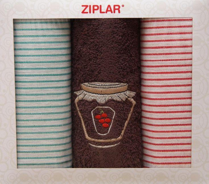 Set červeno zelených kuchyňských utěrek a ručníku hnědé barvy