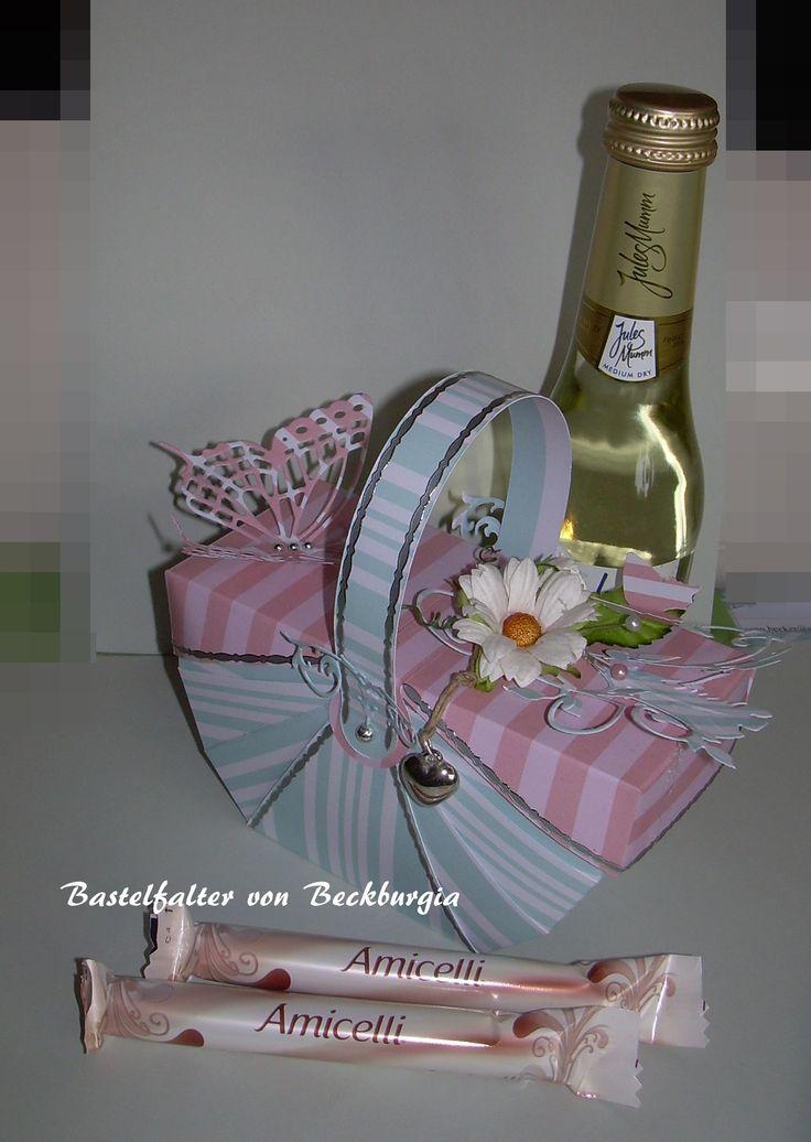 K rbchen geburtstagsk rbchen mitbrinsel basteln mit - Pinterest basteln mit papier ...