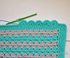 Granny square blanket part 3 - how to do the scalloped border. LOVE!!!