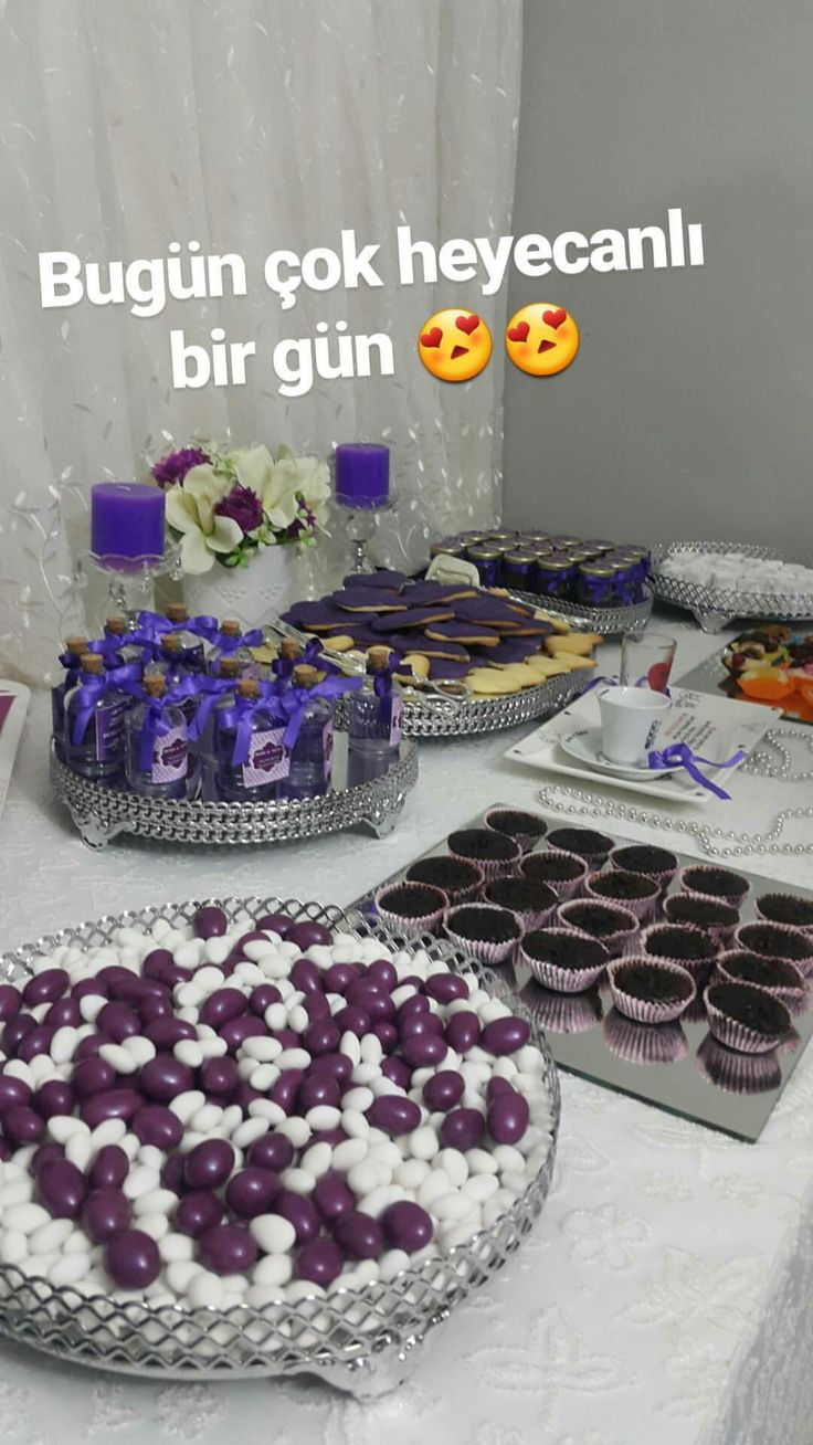 Nişan masası mor süsleme dekoratif masa söz masası isteme gelin damat nişanlanıyoruz sözleniyoruz hediye lokum şeker muffin