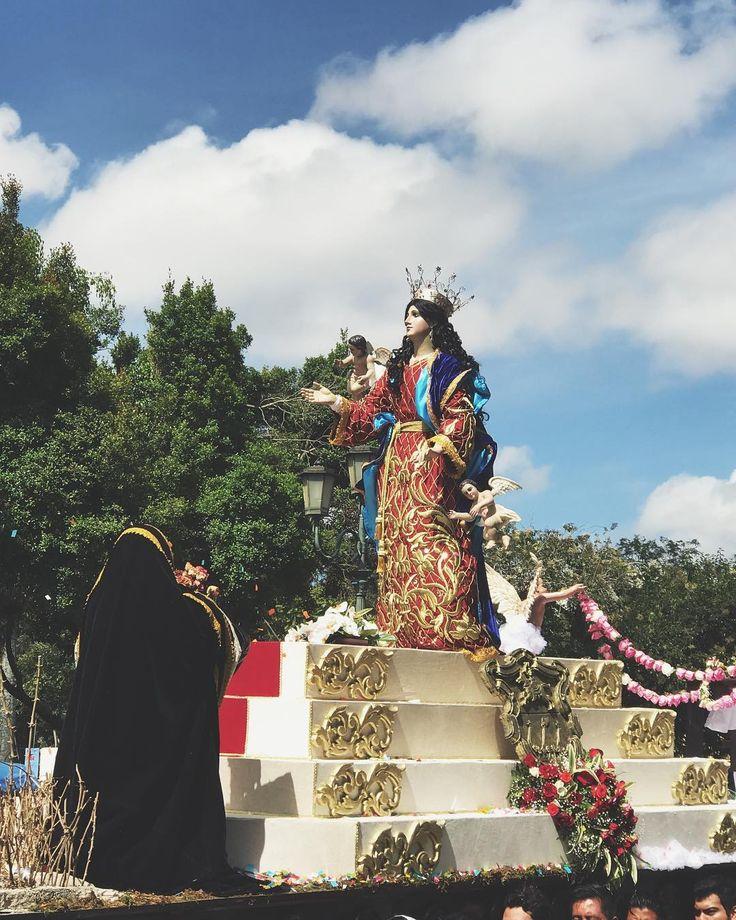 Virgen de la Asunción Patrona de la Ciudad de Guatemala. #guatemala #galasdeguatemala #guatemalaphotostock #destinoguate #DisfrutaGuate #VirgenDeLaAsunción #ciudaddeguatemala #urbanlandscape #tradición #travel #travelgram #instagood #instapic #instalike #instadaily #instagrammersgt