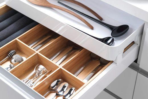 IKEA kastinrichting voor keukenkasten, van bestekbakken tot ladeverdelers