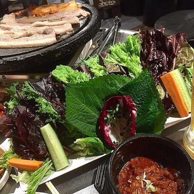 🇰🇷サムギョプサル🇰🇷@赤坂24.6.2017  #肉#夕食#豚肉#サムギョプサル#韓国料理#ビール#キムチ#疲労回復#美味しい#グルメ#日本#東京#赤坂#고기#meat#pork#dinner#bier#koreanfood#food#delicious#gourmet#japan#tokyo#akasaka#삼겹살