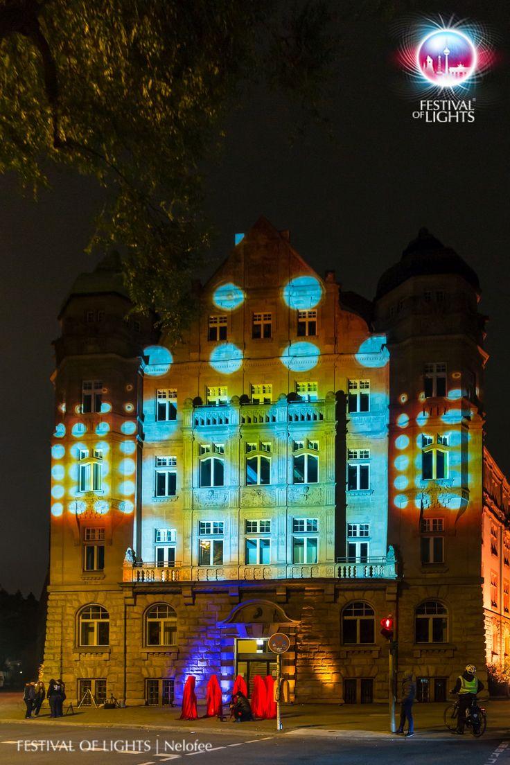 https://flic.kr/p/Mg5DvX | Deutsches Patent- und Markenamt @ FESTIVAL OF LIGHTS 2016 | GERMAN PATENT AND TRADEMARK OFFICE during the FESTIVAL OF LIGHTS 2016 and a visit of the Guardians of Time by Manfred Kielnhofer  #patentamt # light #festivaloflights #fol #zander&partner #osram #illumination #beleuchtung #berlin #wächterderzeit #guardiansoftime #lightsart #manfredkielnhofer