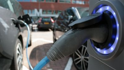 London and Bristol make the cut for £40m 'green car revolution' - The cities of Nottingham, Bristol, Milton Keynes and London are set to welcome an array of green vehicle technologies and innovations after winning a share of a new £40m fund from the Government to support the uptake of electric vehicles (EVs) across the UK. - edie news centre