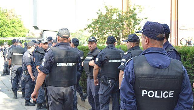 Το Κουτσαβάκι: Στη Βουλγαρία, η αστυνομία συγκρούστηκε με διαδηλω...