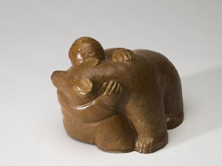 Sculpture, figure hugging bear | Stig Lindberg | 1916-1982 | Nationalmuseum, Sweden | CC BY-SA