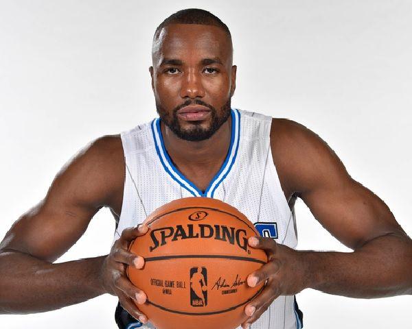 Golden State Warriors Trade Klay Thompson For Serge Ibaka? - http://www.morningledger.com/golden-state-warriors-thompson-ibaka/13119999/