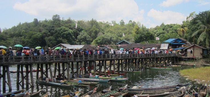 Boat Race Festival, Riam Kanan< South Kalimantan..