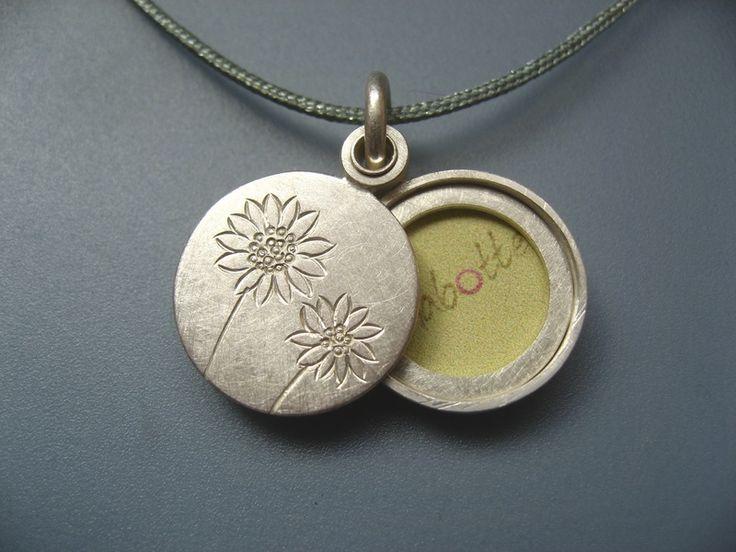 Medaillon Silber für Foto Sonnenblumen von mabotte ● schmuck  auf DaWanda.com
