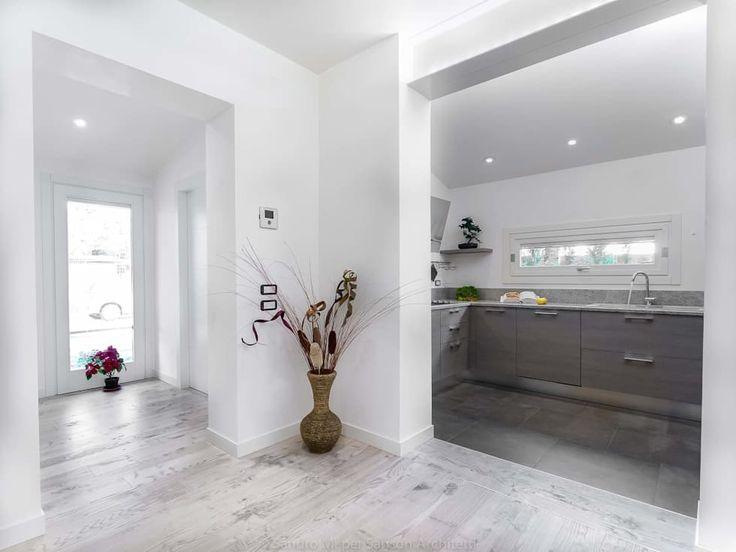 Foto di cucina in stile in stile minimalista : sanson architetti | homify