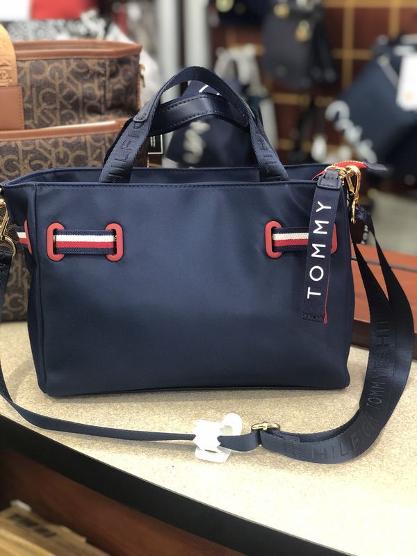 tommy hilfiger money bag