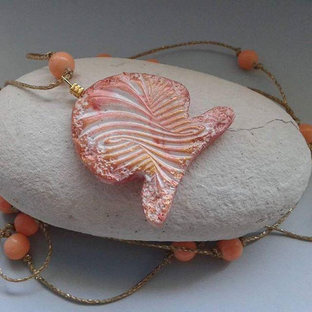 #necklace #fishnecklace #polymerclayjewellery #womenswear #texturedpolymerclay #uniquenecklace #inkrediblepolymer #instajewellery #ooak #acessoriosfemininos #summernecklace #summeringreece #handmadejewellery #greekdesigners #greekjewelry #madeingreece #madewithlove #mepolymeraki