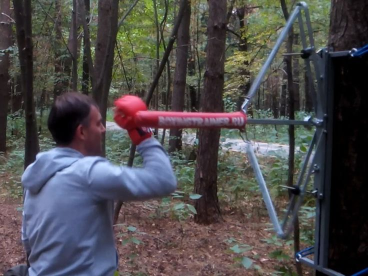BTR boxing trainer simulates in-the-face action   Netfloor USA