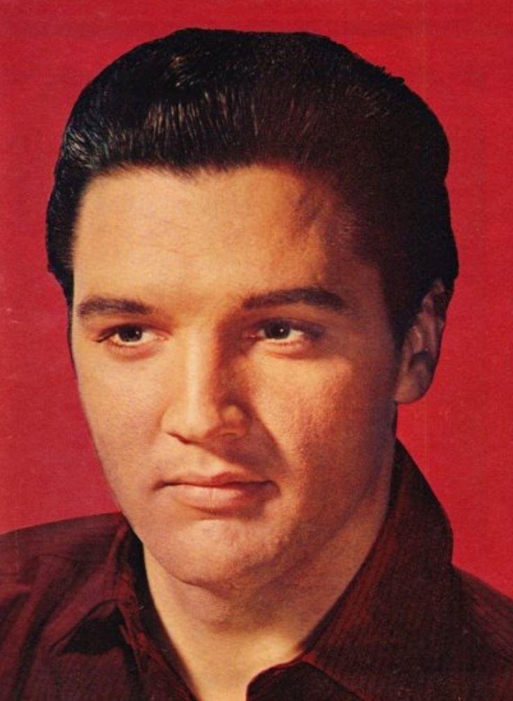 ELVIS IN 1961 in 2019 | Elvis presley movies, Elvis ...