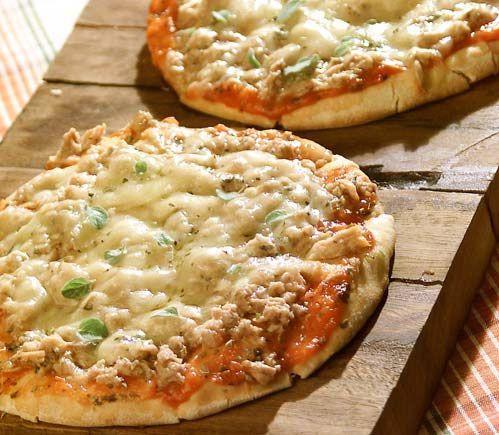 Brazilian Tuna Pizza (Pizza de atum)