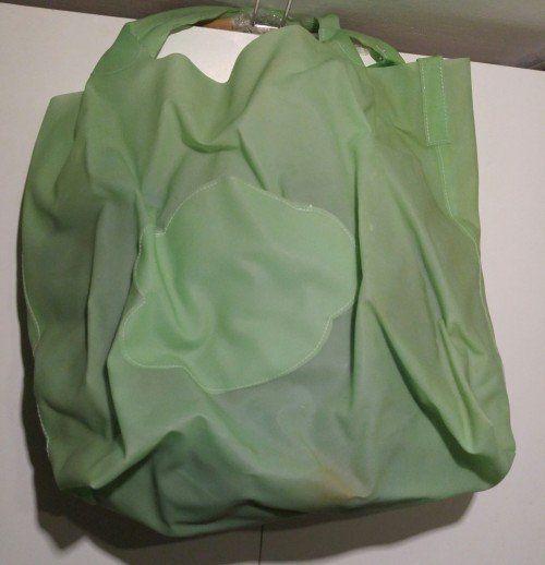 (Θεσσαλονίκη) ΓΥΝΑΙΚΕΙΑ ΛΟΙΠΑ ΕΙΔΗ • γυναικείες τσάντες: 1.λείπουν κάποιες χάντρες κλείσιμο μαγνητικό μια εσ θήκη με φερμουάρ δ.εσ.περίπου…