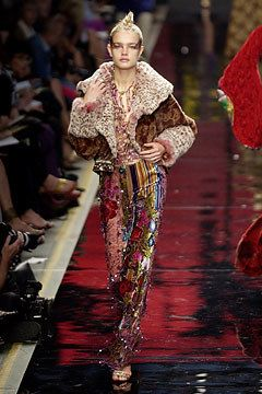 Ungaro Couture Fall 2002 Couture Fashion Show - Emanuel Ungaro, Natalia Vodianova