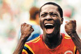 Freddy Rincón celebra su gol contra Alemania en Italia 90.