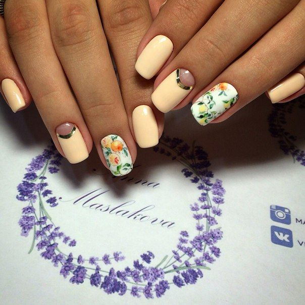 Фото необычного маникюра 2016, дизайн ногтей со стразами, модный маникюр с вензелями 2016, красивые узоры на ногтях, стразы на ногтях лето 2016, модный летний маникюр