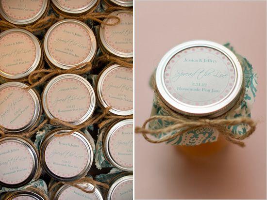 homemade pear jam for wedding favors