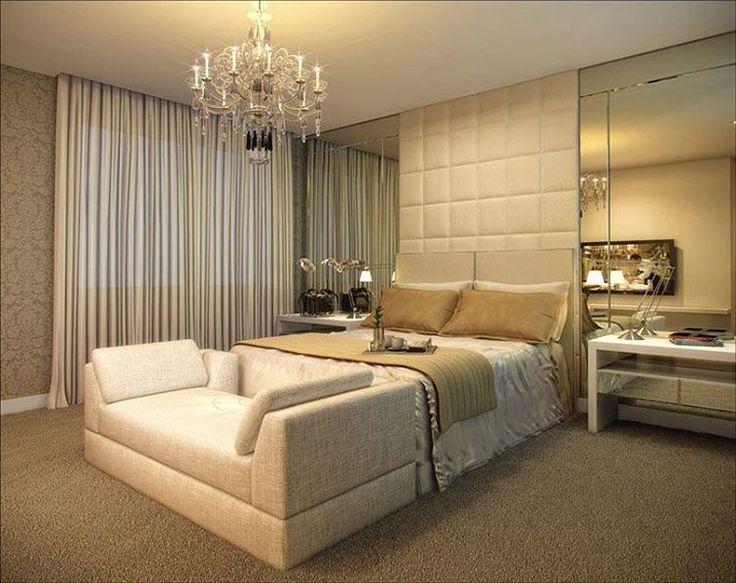 """""""Inspiração da noite: luxuosidade define esse quarto. O painel acolchoado, recamier, espelhos e lustre são as peças chaves para transmitir tamanho…"""""""
