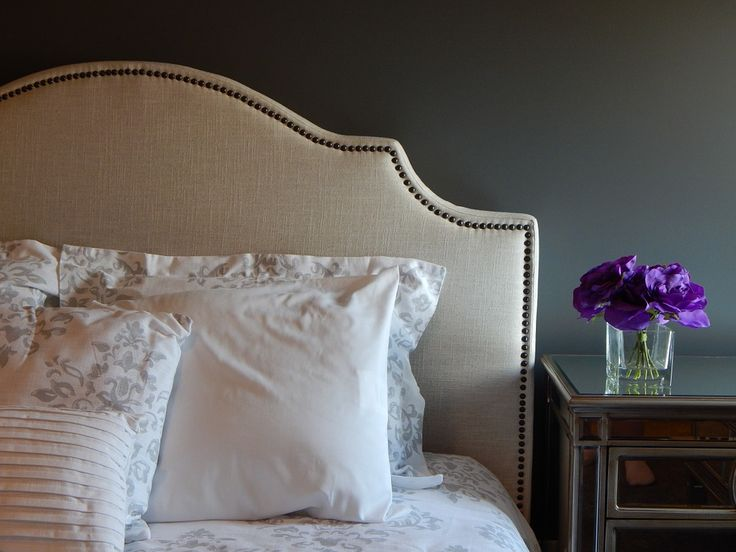 Between magazines, TV shows and decorating websites, it certainly is easy to find inspiration for home décor. If your master bedroom is due for an update, you can add some serious wow factor with one of these eye-catching DIY headboard. Sure, there are many gorgeous pieces out there ready for installation but if you're