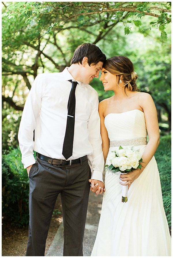 Olivia Leigh Photography | Medford Oregon Wedding Photographer | http://olivialeighphotoart.com | Fine Art Photography | Wedding | Bride | Groom | Bouquet | Ashland Oregon | Lithia Springs Resort | Lithia Park Ashland Oregon | wedding photography