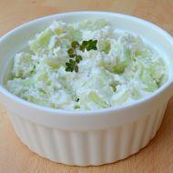 Fotografie receptu: Okurkový salát s balkánským sýrem