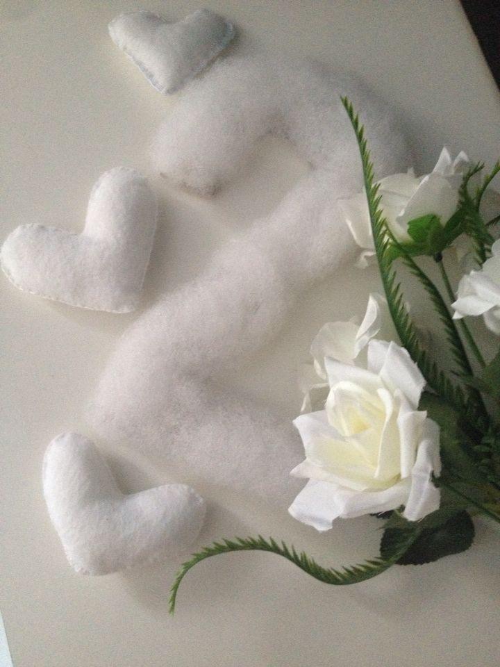 Bodas de algodão   coração de feltro   número 2 de papelão coberto com manta acrílica.