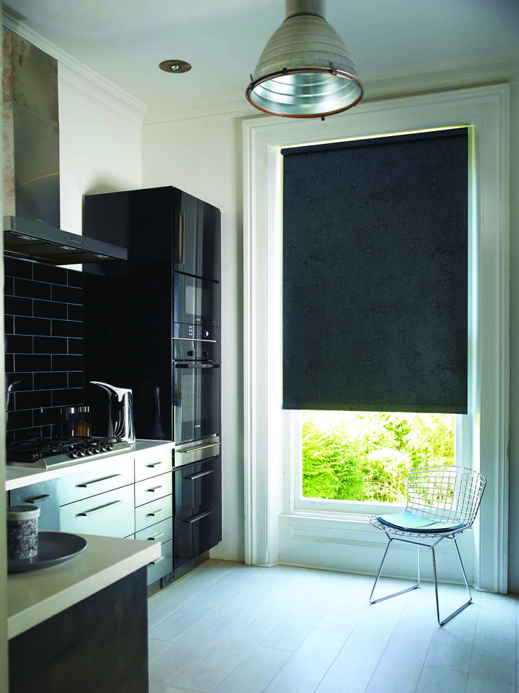 Metz Black blinds. Perfect for your kitchen and all around the home. These blinds are #wirefree #wireless #nowires #remotecontrol #smartphoneapp #tabletapp #noelectricianrequired #childsafe #cordless #largewindows #smallwindows #windowblinds #windowshades #windowcoveringsolution #prettywindows #childfriendly #prettywindows #smartblinds #homedesign #kitchenblinds #interiordesign #redesign #bathroomblinds #bedroomblinds #lounge