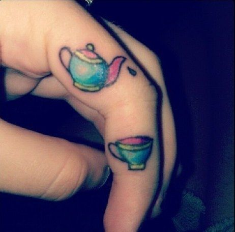 A quirky teapot short and stout. | 30 Utterly Lovely Tattoos For Tea Lovers