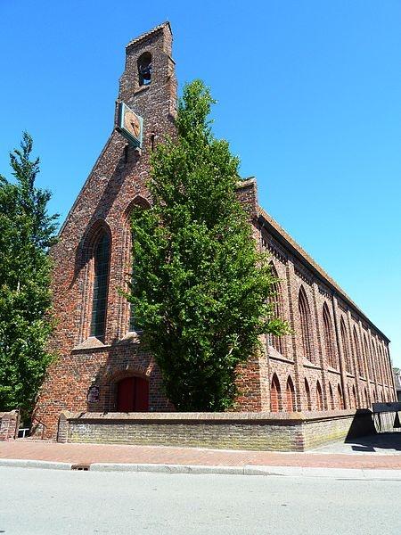 Kloosterkerk in Aduard, voormalige ziekenhuiszaal van het vroegere klooster van Aduard aan de Burgemeester Seinenstraat 42, Aduard, later omgevormd tot hervormde kerk. Het enige gebouw dat bleef staan na de reductie van Groningen.
