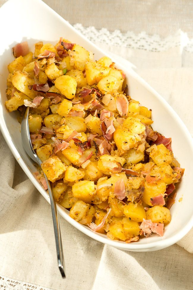 Delicious pan fried potatoes - an amazing smokey flavor and absolutely delicious!! You will be reaching for seconds and thirds. @NeliHoward www.deliciousmeetshealthy.com #sides #holiday #4thofjuly