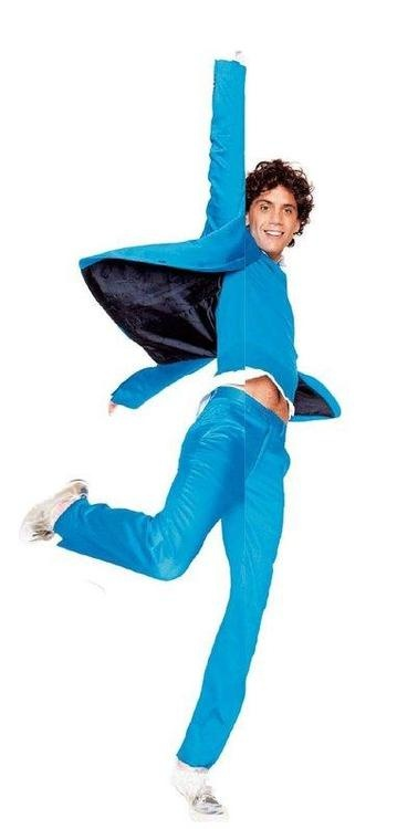 Mika in blue - from Live Magazine 23-12-2007