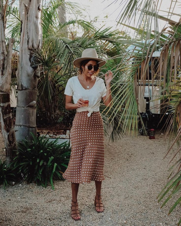 where there's rosé... you know I'll be there ???? | ⛺️ Cara... 2